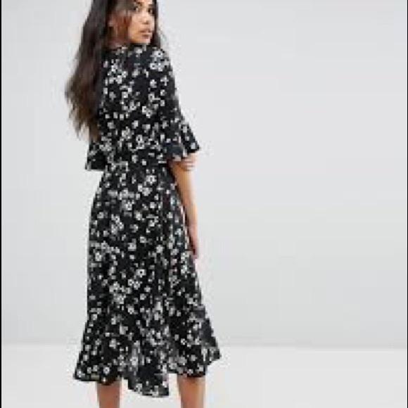 fde2bc638926 Boohoo Dresses | Floral Ruffle Trim Midi Dress | Poshmark